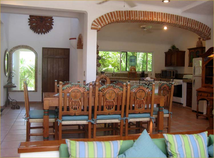 Colorful furnishings throughout this self-catering holiday rental in Akumal Mexico.